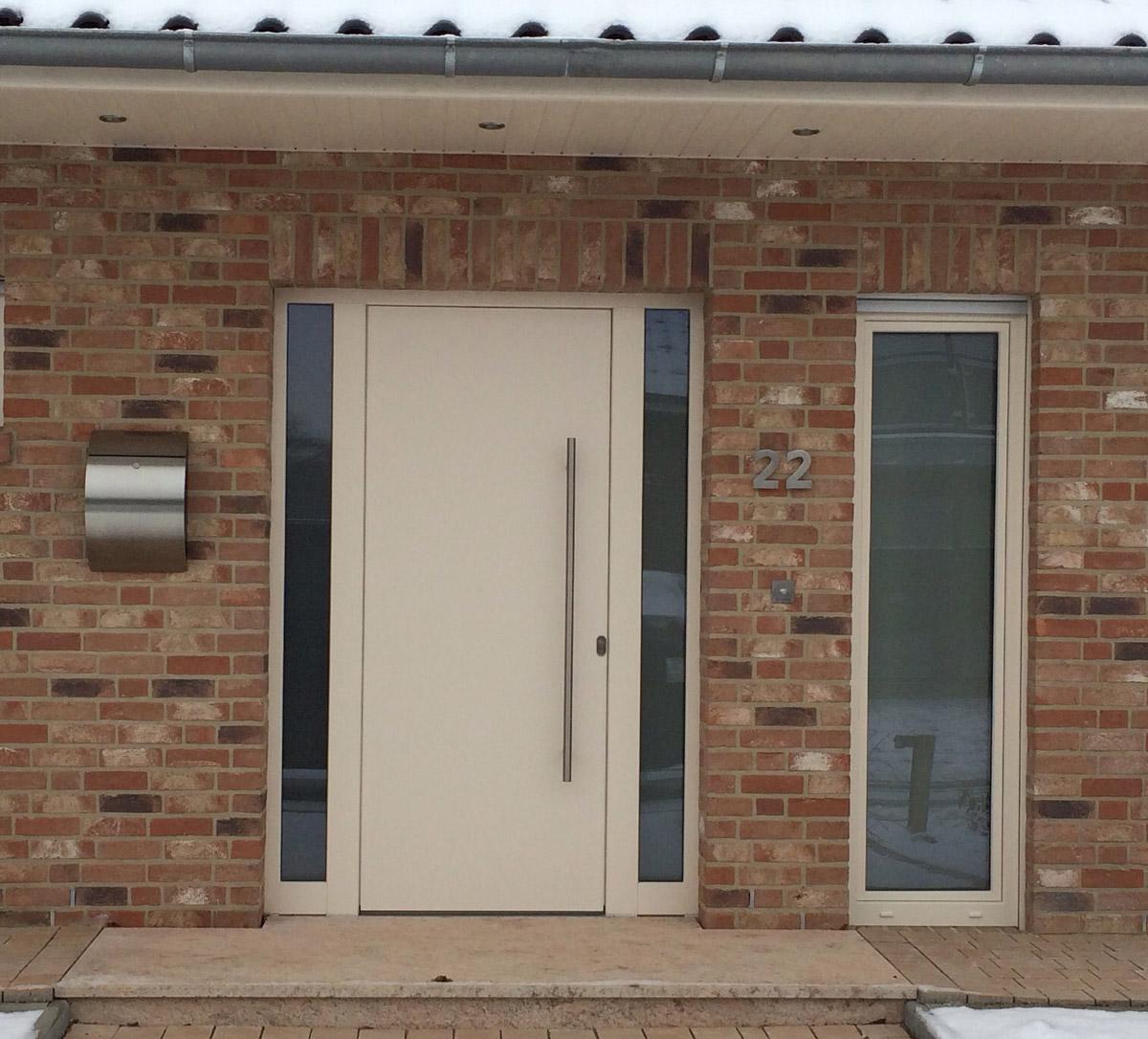 Weiße eingangstüren  Haustüren & Fenster - Fuchs Baugesellschaft mbH